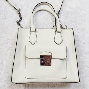 🆕️Michael Kors Bridgette medium EW tote👻😍